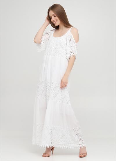 Белое кэжуал платье с открытыми плечами, с открытой спиной Onlys однотонное